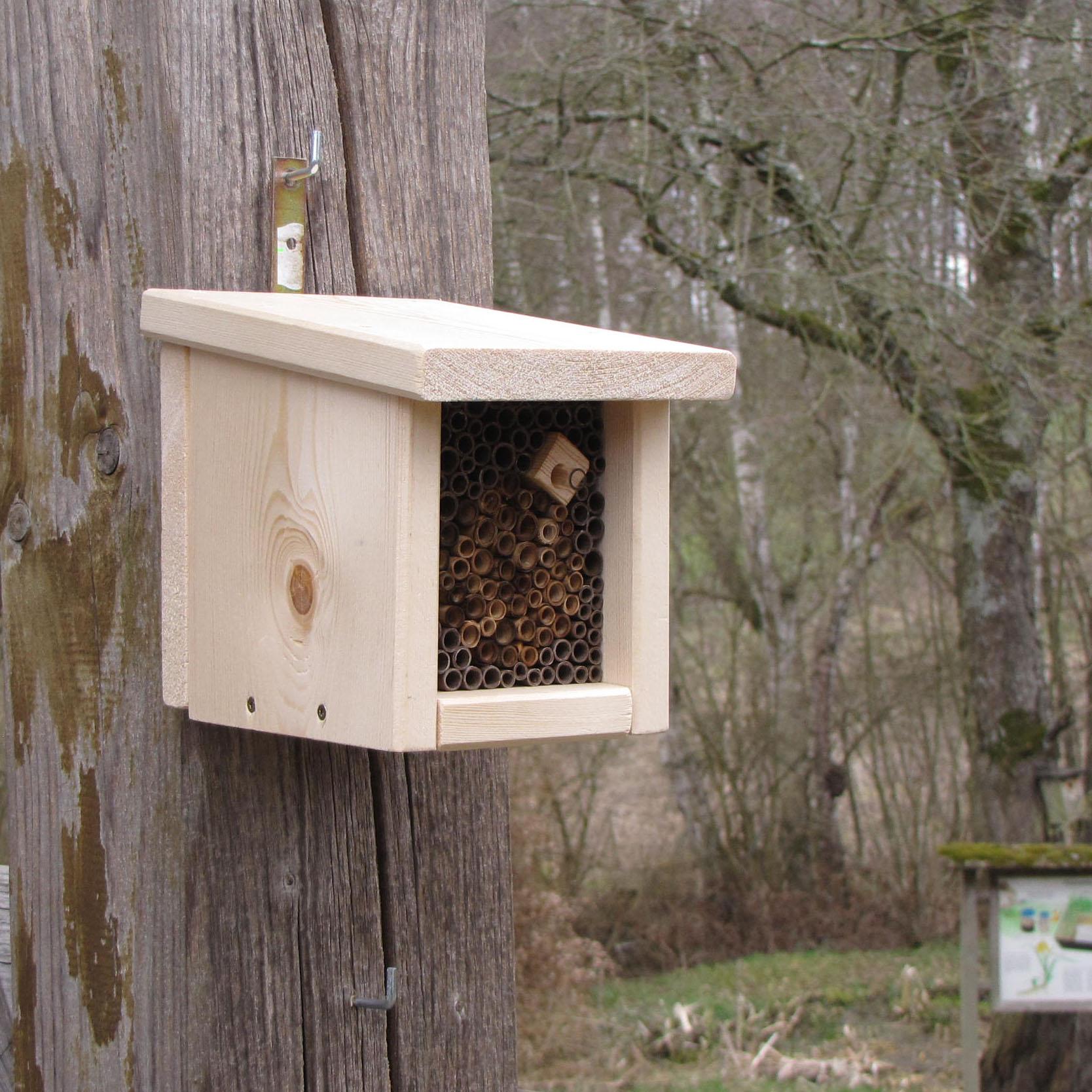 Wir bauen Nisthilfen für Wildbienen am 2. Oktober 2021